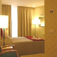 5 photo hotel HOLIDAY INN GARIBALDI STATION, Milan, Italy